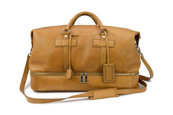 luxury-leather-holdall-italian-tan-leather-royal-albartross-the-bedford-weekender-cognac-13730417082415_1920x1200
